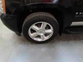 2008 Chevrolet Suburban 1500 - Image 8