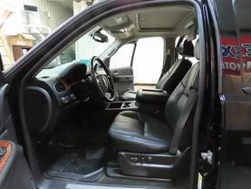 2008 Chevrolet Suburban 1500 - Image 20