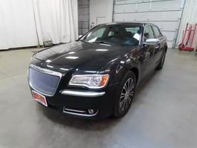 2013 Chrysler 300 - Image 6