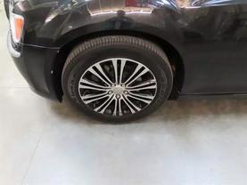 2013 Chrysler 300 - Image 8