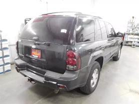 2005 Chevrolet Trailblazer - Image 3