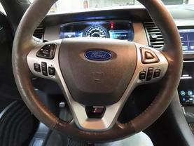 2015 Ford Taurus - Image 22