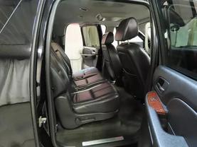 2008 Chevrolet Suburban 1500 - Image 12