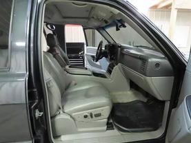 2006 Gmc Yukon Xl 1500 - Image 11