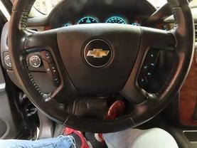 2008 Chevrolet Suburban 1500 - Image 24