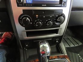 2010 Chrysler 300 - Image 18