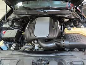 2013 Chrysler 300 - Image 10