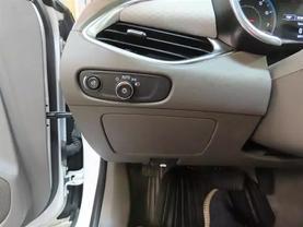 2018 Chevrolet Malibu - Image 25