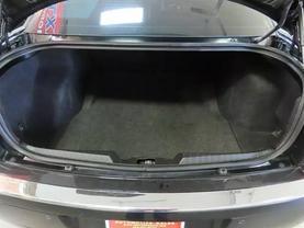 2010 Chrysler 300 - Image 13