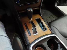 2013 Chrysler 300 - Image 22