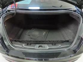 2015 Ford Taurus - Image 13