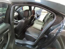 2015 Ford Taurus - Image 15