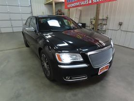 2013 Chrysler 300 - Image 2