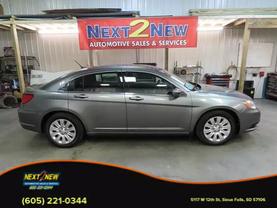 2013 Chrysler 200 - Image 1