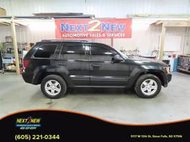 2006 Jeep Grand Cherokee - Image 1
