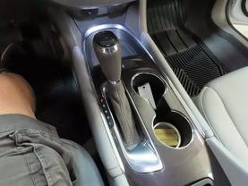 2018 Chevrolet Malibu - Image 21