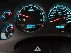 2008 Chevrolet Suburban 1500 - Image 26