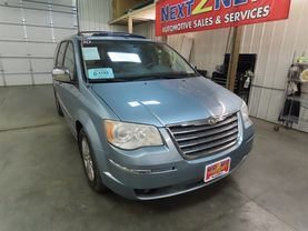 2010 Chrysler Town & Country - Image 2
