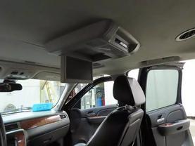 2008 Chevrolet Suburban 1500 - Image 19