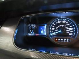 2015 Ford Taurus - Image 24