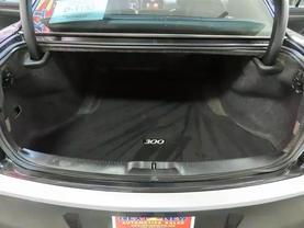 2013 Chrysler 300 - Image 13