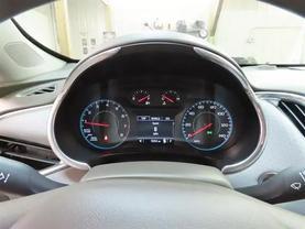 2018 Chevrolet Malibu - Image 23