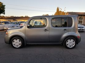 2010 Nissan Cube - Image 2