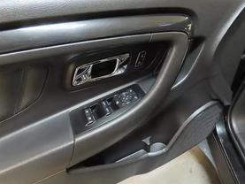 2015 Ford Taurus - Image 18