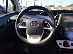 2017 Toyota Prius Prime - Image 12