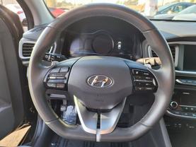 2018 Hyundai Ioniq Plug-in Hybrid - Image 8