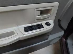 2005 Dodge Dakota Quad Cab - Image 17