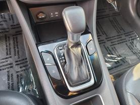 2018 Hyundai Ioniq Plug-in Hybrid - Image 13