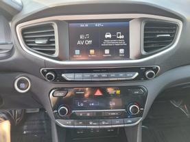 2018 Hyundai Ioniq Plug-in Hybrid - Image 12