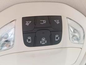 2018 Chrysler Pacifica Hybrid - Image 17