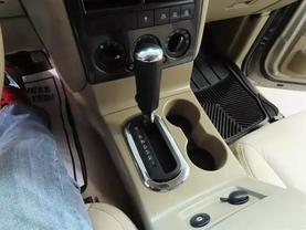 2007 Ford Explorer - Image 21