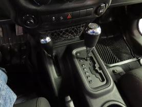 2011 Jeep Wrangler - Image 20