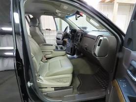 2016 Chevrolet Silverado 1500 Crew Cab - Image 11
