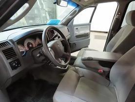 2005 Dodge Dakota Quad Cab - Image 16