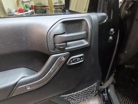2011 Jeep Wrangler - Image 16