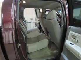2005 Dodge Dakota Quad Cab - Image 12