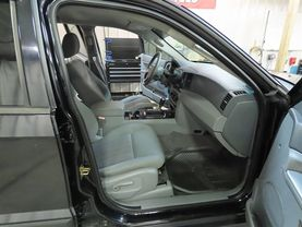 2006 Jeep Grand Cherokee - Image 11
