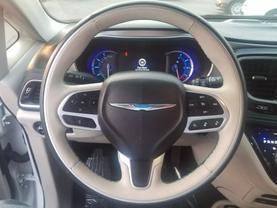 2018 Chrysler Pacifica Hybrid - Image 10