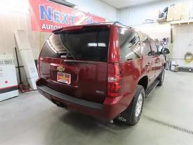 2011 Chevrolet Tahoe - Image 3