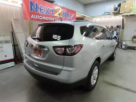 2013 Chevrolet Traverse - Image 3