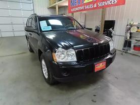 2006 Jeep Grand Cherokee - Image 2