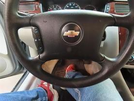 2008 Chevrolet Impala - Image 22