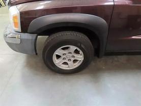 2005 Dodge Dakota Quad Cab - Image 8