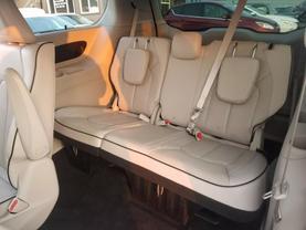 2018 Chrysler Pacifica Hybrid - Image 23