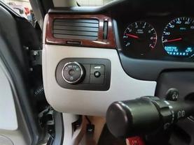 2008 Chevrolet Impala - Image 25