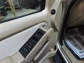 2007 Ford Explorer - Image 18